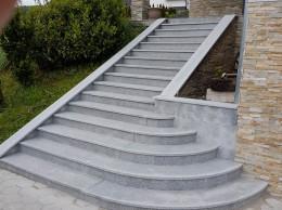 Granitne stopnice v radiusu