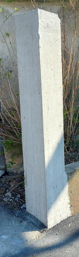 Obstoječi steber za oblaganje z umetnim kamnom
