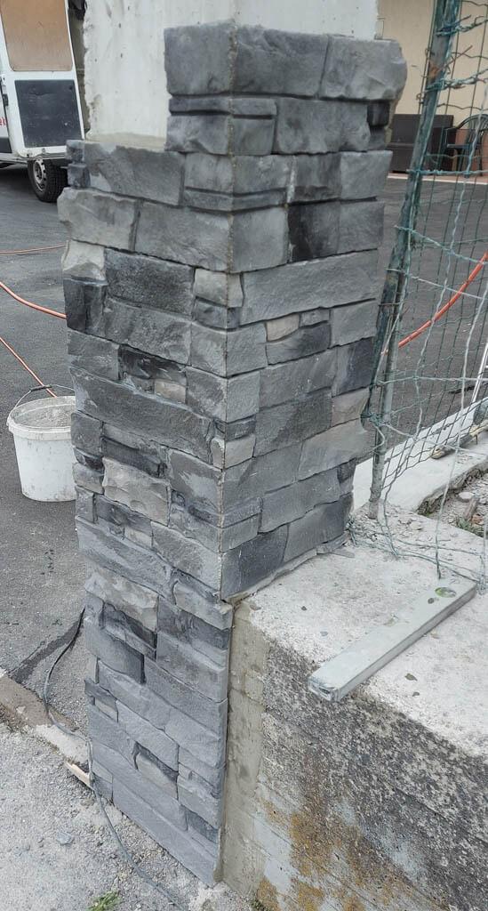 Vogali dekorativnega kamna pod kotom 45 stopinj