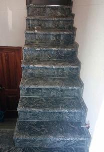 Granitne stopnice 102