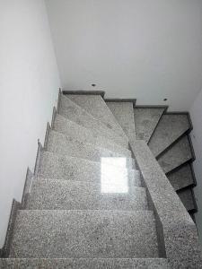 Granitne stopnice 103