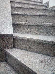 Granitne stopnice 104