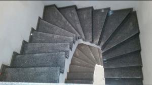 Granitne stopnice 111