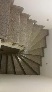 Granitne stopnice 114