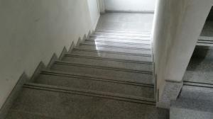 Granitne stopnice 117