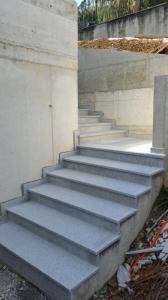 Granitne stopnice 124