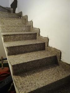Granitne stopnice 129