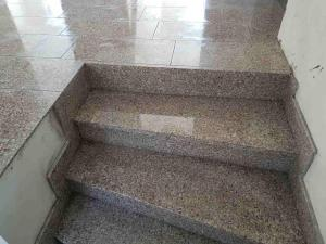 Granitne stopnice 131