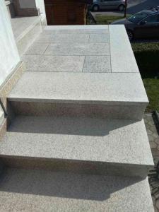 Granitne stopnice 136