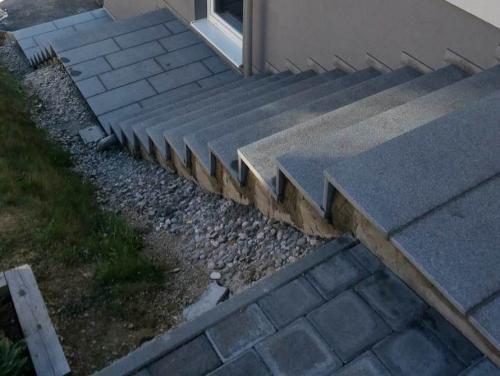 Granitne stopnice 159