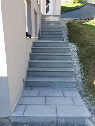 Granitne stopnice 162