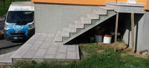 Granitne stopnice 164