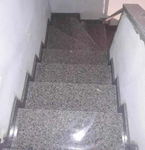 Granitne stopnice 173