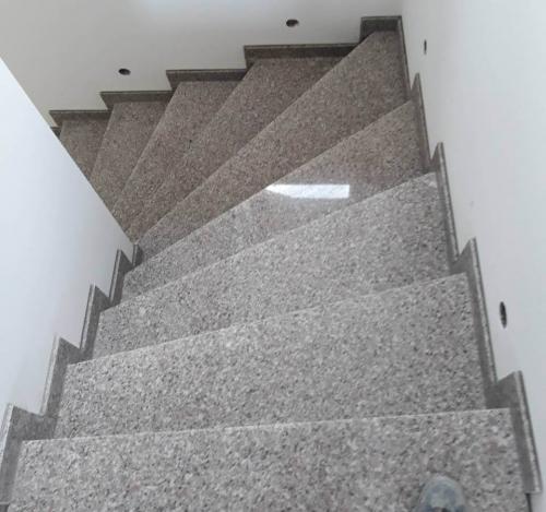 Granitne stopnice 174