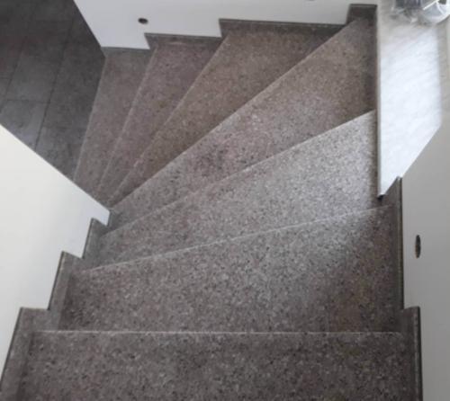 Granitne stopnice 177
