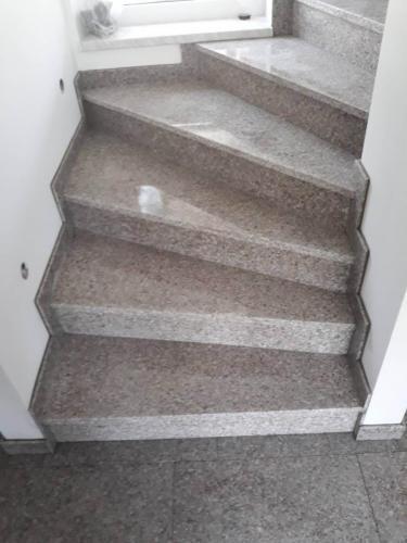 Granitne stopnice 178