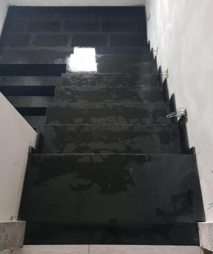 Granitne stopnice 180