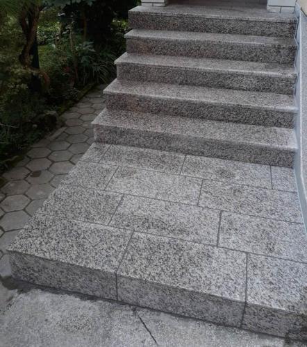 Granitne stopnice 181