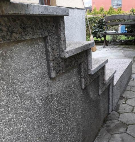 Granitne stopnice 183
