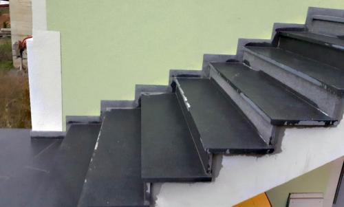 Granitne stopnice 184