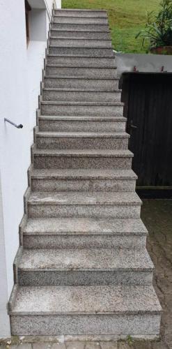 Granitne stopnice 189