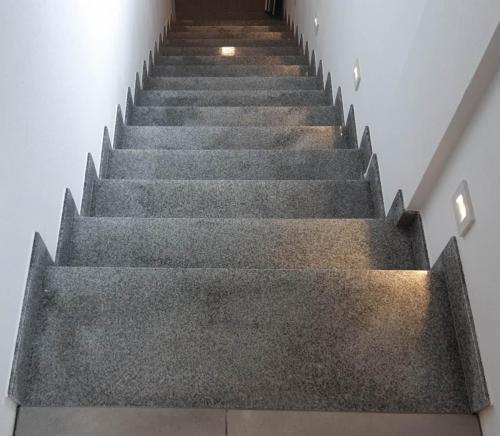 Granitne stopnice 191
