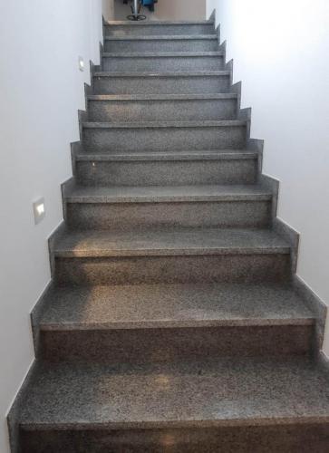 Granitne stopnice 193