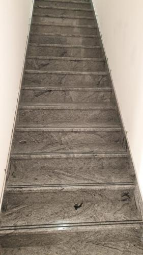 Granitne stopnice 195