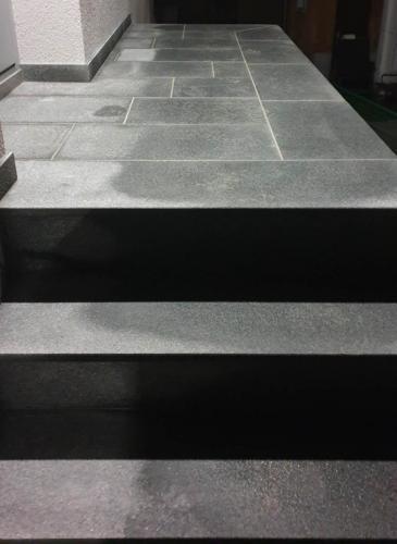 Granitne stopnice 196