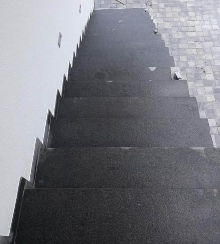 Granitne stopnice 203
