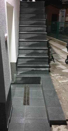 Granitne stopnice 204