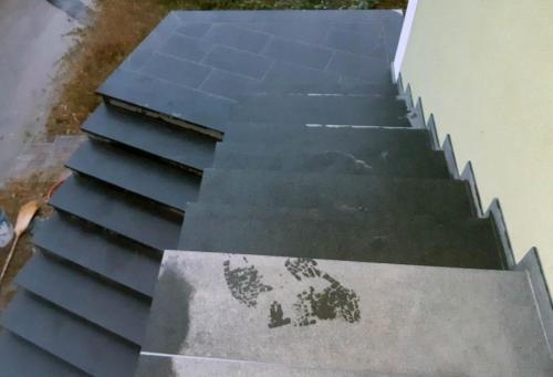 Granitne stopnice 205
