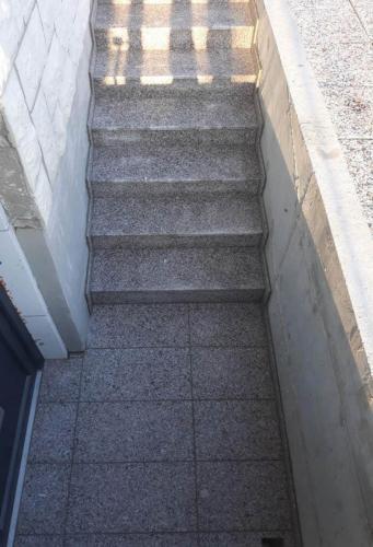 Granitne stopnice 206