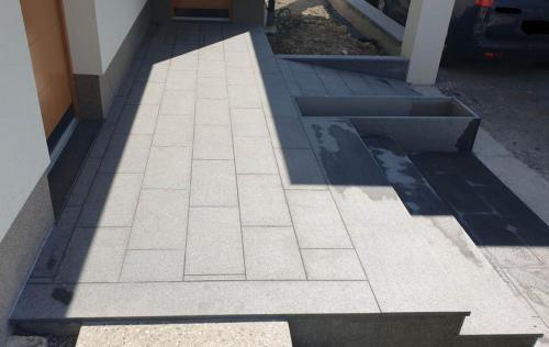 Granitne stopnice 207
