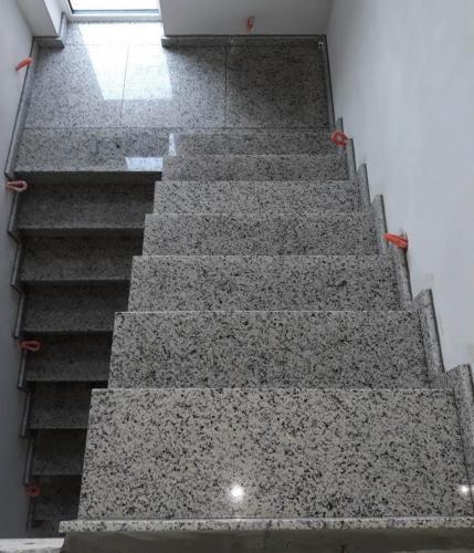 Granitne stopnice 212