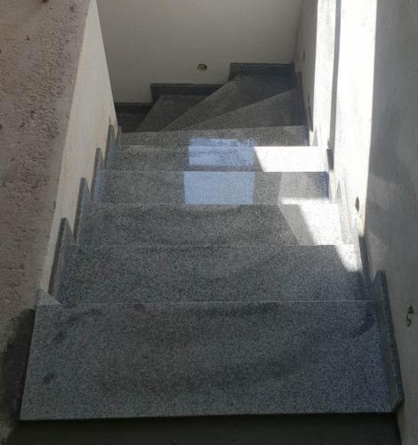 Granitne stopnice 214