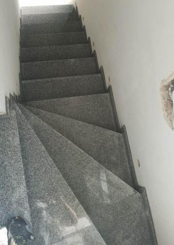 Granitne stopnice 215