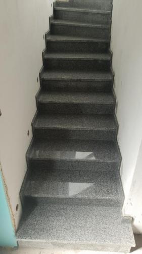 Granitne stopnice 216