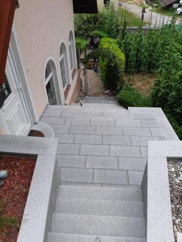 Granitne stopnice 218