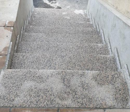 Granitne stopnice 224