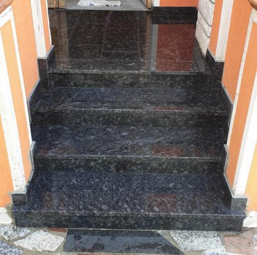 Granitne stopnice 225