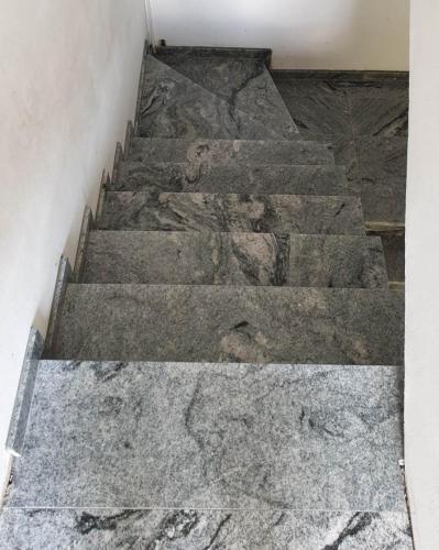 Granitne stopnice 226