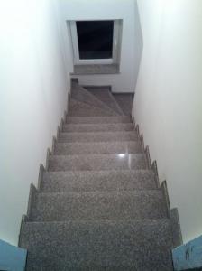 Granitne stopnice 32