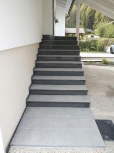 Granitne stopnice 54