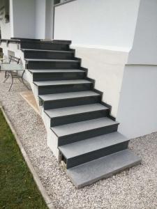 Granitne stopnice 55