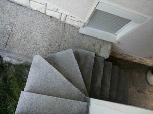 Granitne stopnice 65