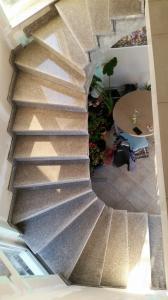 Granitne stopnice 68