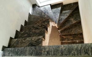 Granitne stopnice 71