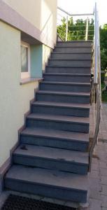 Granitne stopnice 84