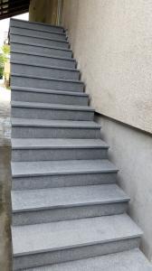 Granitne stopnice 85